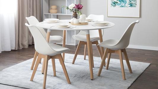 Krzesła do salonu i jadalni - nowoczesność czy klasyka?